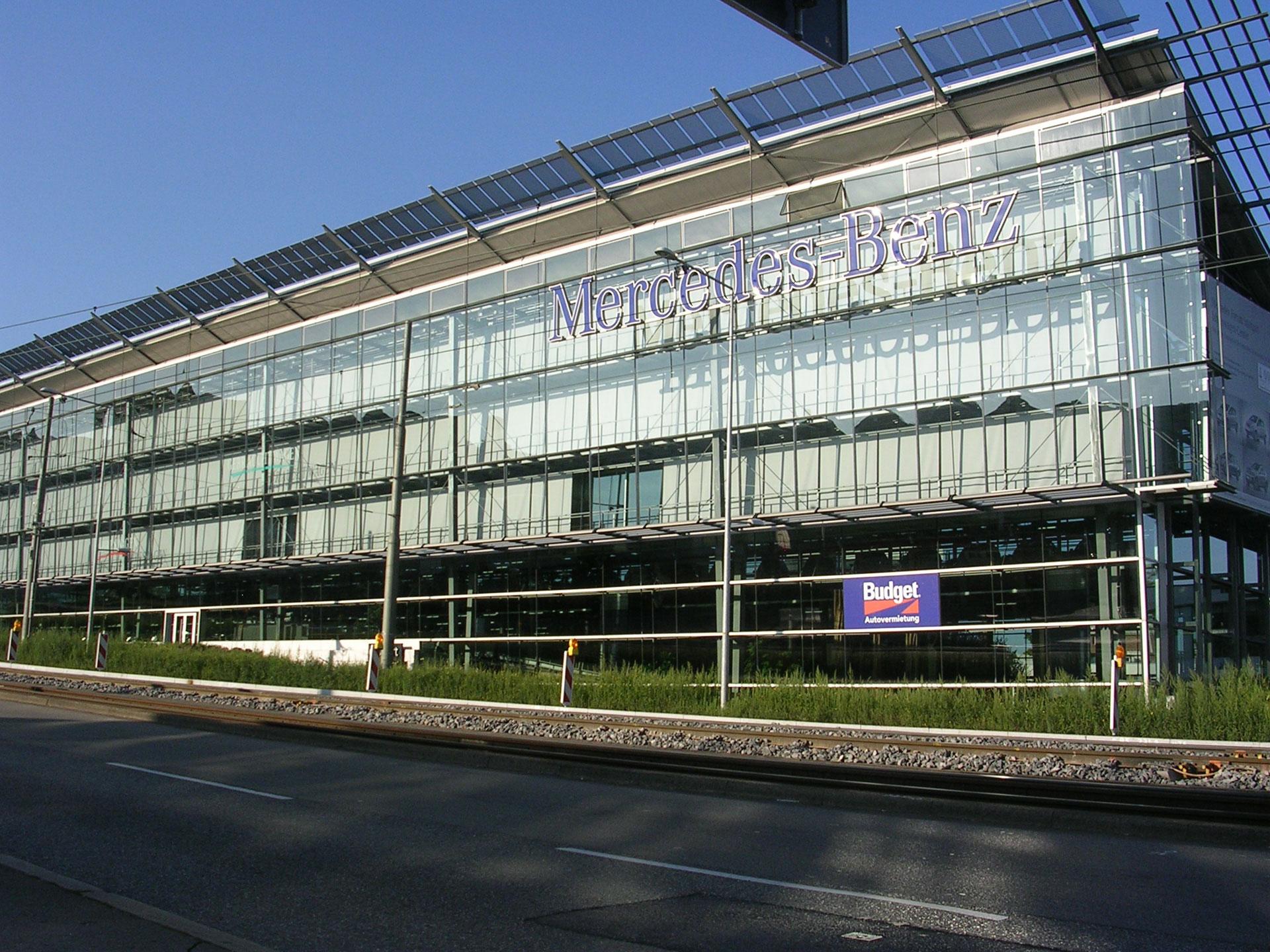 100 mercedes headquarters see development area for Mercedes benz headquarters